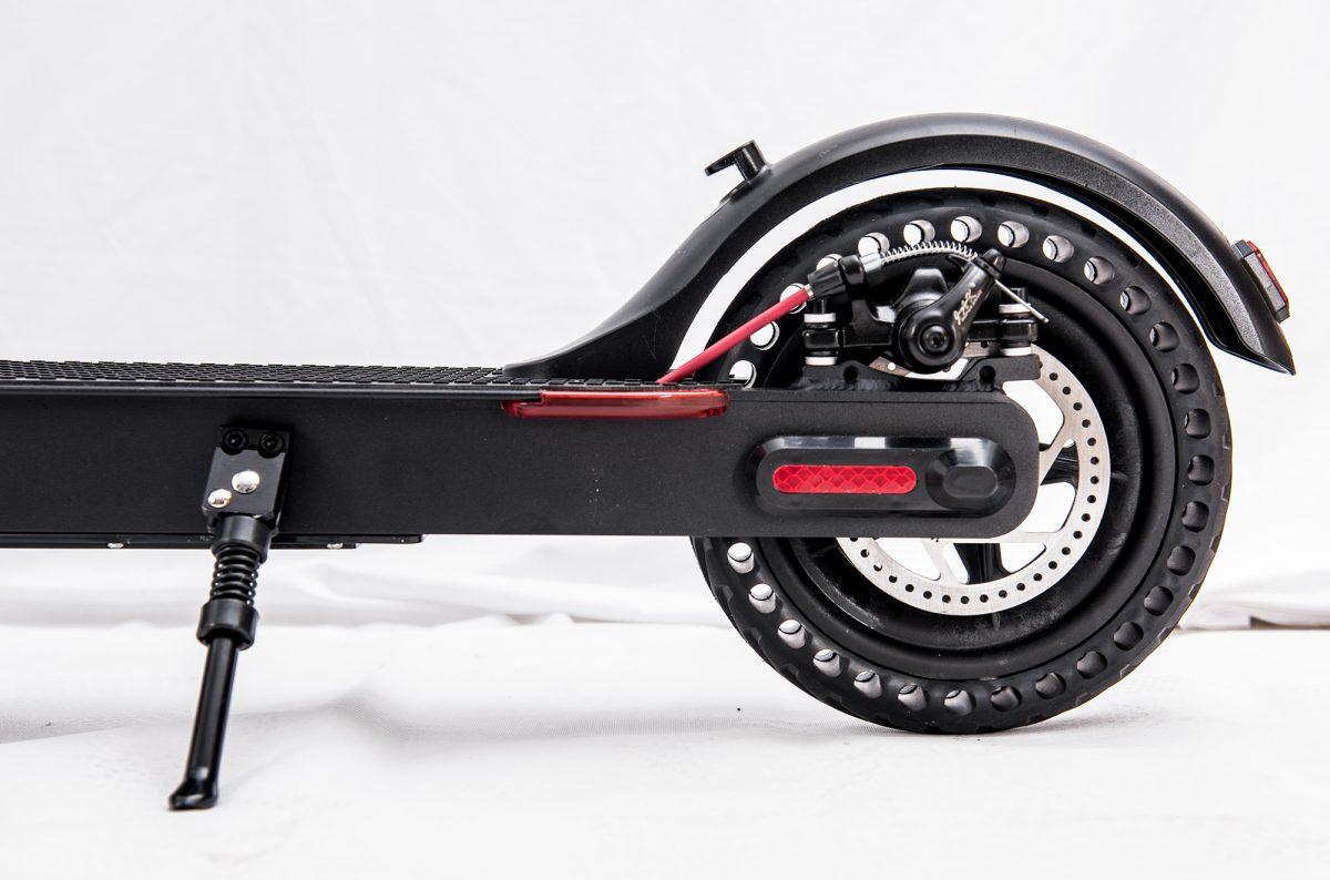 Detalle de las ruedas de patinete eléctrico - Zwheel