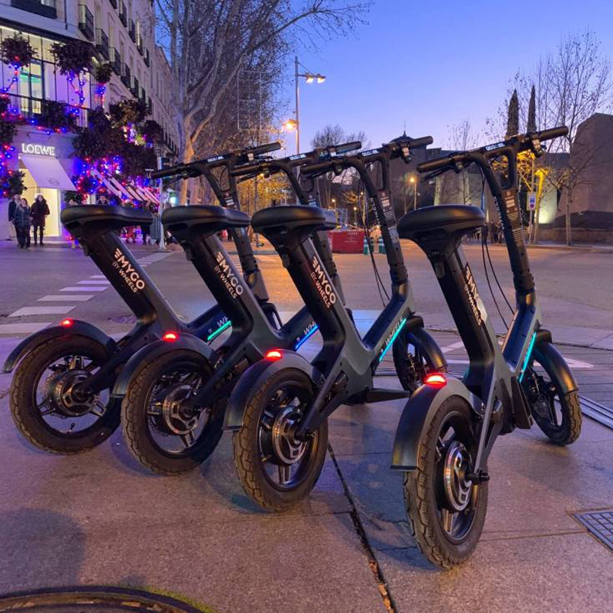 El gigante californiano 'Wheels' aterriza en Madrid con este vehículo híbrido