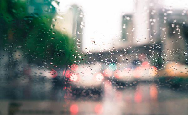 Circular con lluvia - Consejos para ir en patinete