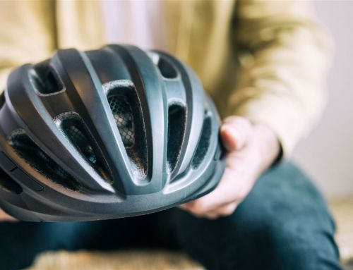 ¿Es obligatorio llevar casco en patinete eléctrico?