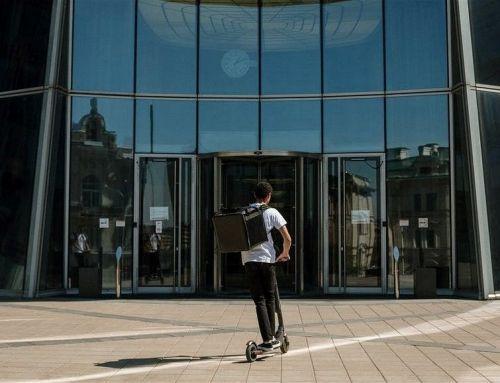 Las empresas se unen a la movilidad sostenible con patinetes eléctricos