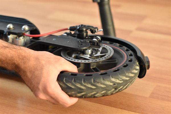 5. Volver a colocar rueda
