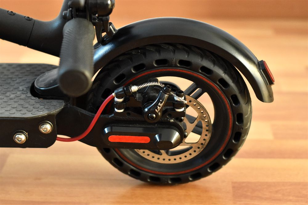 Como cambiar la rueda de un patinete electrico