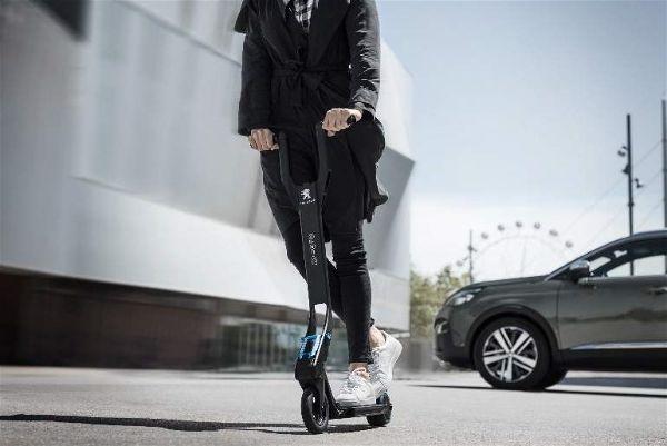 3. Patinete Peugeot e-Kick